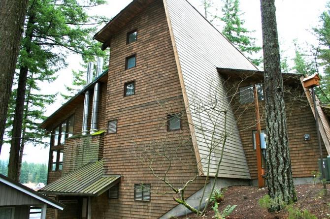 Lundgren Lodge
